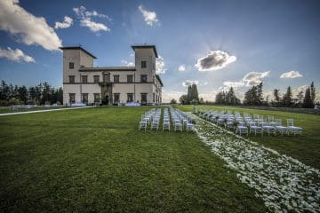 Villa Le Corti offers spectacular views for an exclusive event in Tuscany