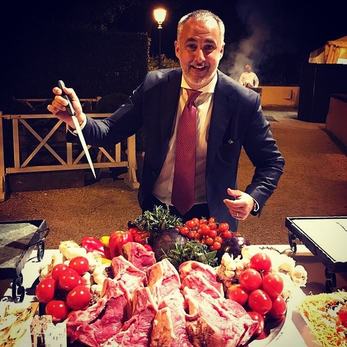 Tobia Papetti is an expert in catering in Italy
