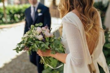 sposa con il bouquet